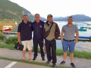Groupe-devant-lac